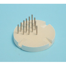 Porseleinen bakstandaard met metalen pinnen (porseleinen tafel)