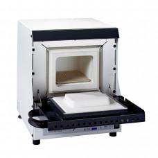 De oven voor het verwarmen van de MAGMA-ringen met een uitlaat voor een katalysator